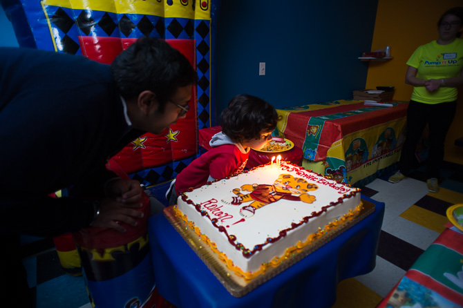 chicago-family-photographer-birthday-party-pump-it-up-0171