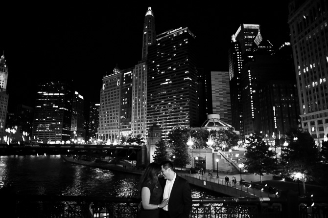chicago-river-walk-engagement-session-7